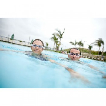 Kayenne Goggles swim couple