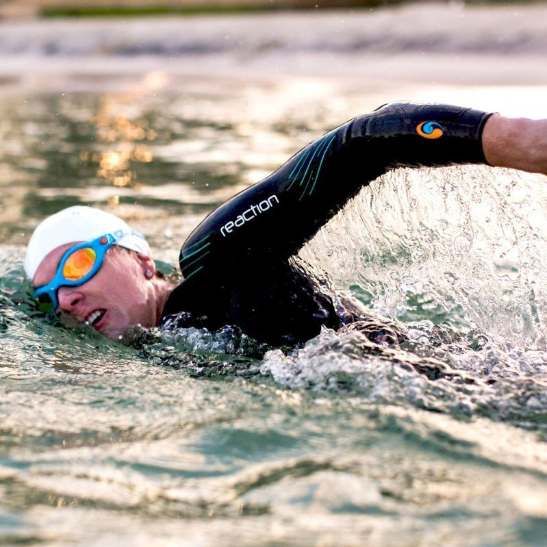 BlueSeventy Reaction wetsuit Womens action