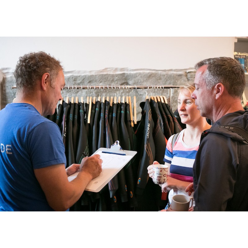 choosing swimming wetsuits