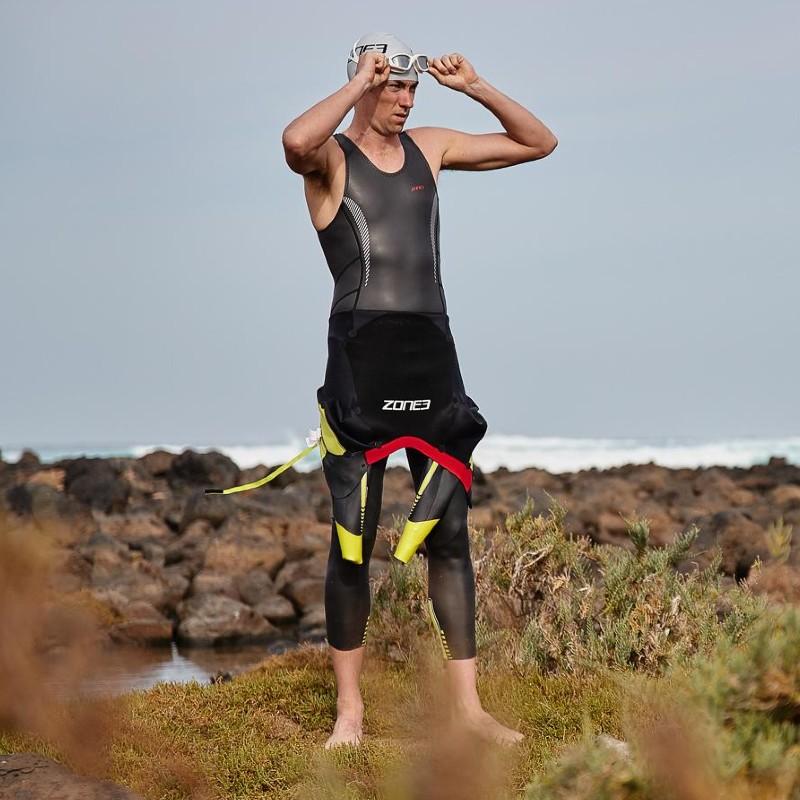 Zone3 Kneeskin under wetsuit